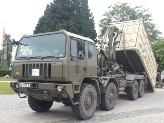 Camión todoterreno Iveco-Pegaso M.320.42WM 8×8 de 17 tm