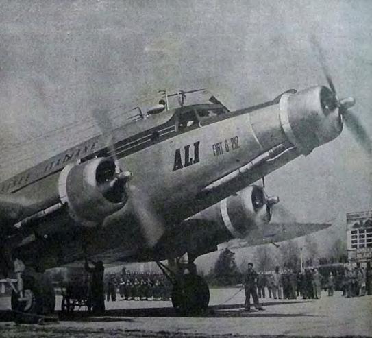 Fiat G.212 preparándose para despegar (Fuente: Airwar.ru)