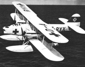 He 59C-2 en vuelo. Las unidades SAR iban pintadas en blanco brillante, con matrículas civiles y grandes cruces rojas en el fuselaje y los planos.