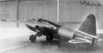 Otra vista del pequeño He 178. Se planteó una versión agrandada del modelo, pero no pasó de la mesa de diseño (Fuente: Luftarchiv.de)