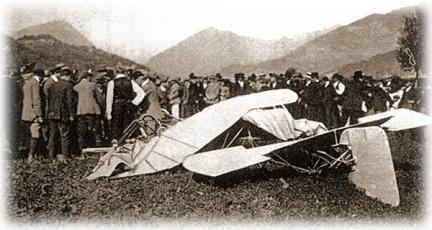 Estado en que quedó la frágil máquina de Chávez tras el accidente, presuntamente debido a una defectuosa reparación (Fuente: www.jorgechavezdartnell.com)