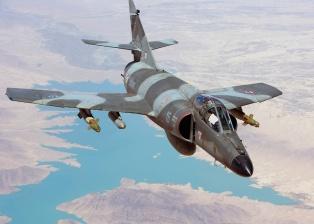 Un Super Étendard de la Aviation Navale francesa. Estos cazabombarderos están siendo sustituidos paulatinamente por los Rafale M  (Fuente: deloule.guillaume.free.fr)
